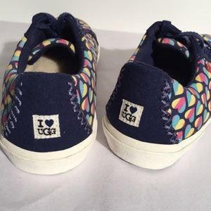 New I HEART UGG Rainbow Hearts Lace-Up Sneakers